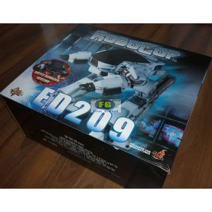 https://www.filmgigant.cz/24175-29928-thickbox/ed209--battle-damaged-verson-16-mms12-sideshow-hot-toys-akcni-figurky-bazar.jpg