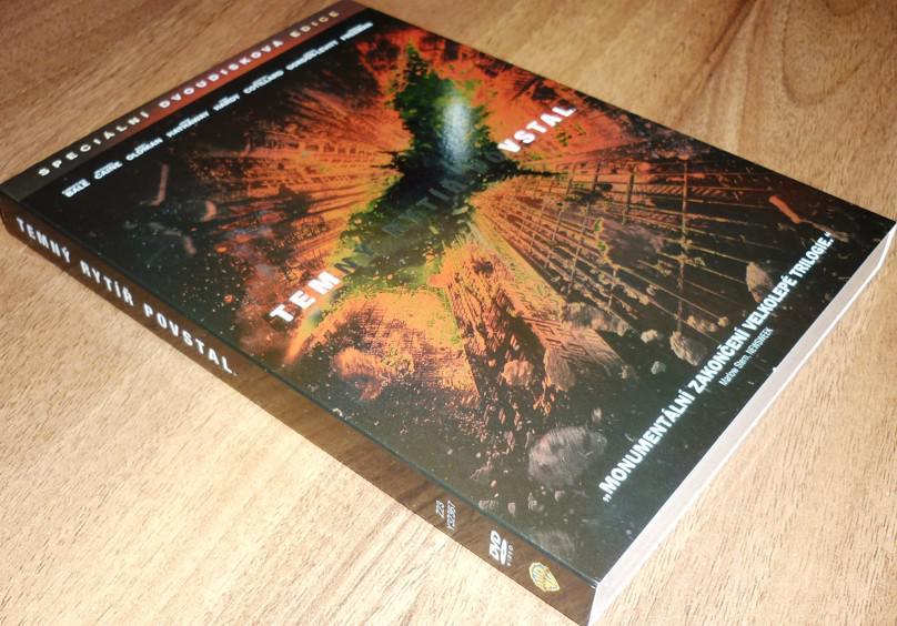Temný rytíř povstal 2DVD SPECIÁLNÍ EDICE S O-RINGEM (Batman) (DVD) (Bazar)